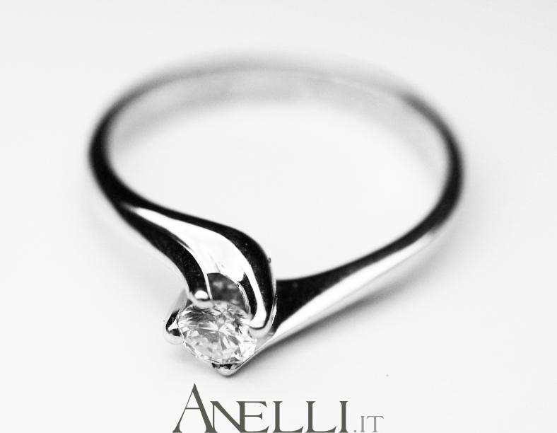 Super Anello: il simbolo del Fidanzamento | Ogni anello, che sia  VJ07